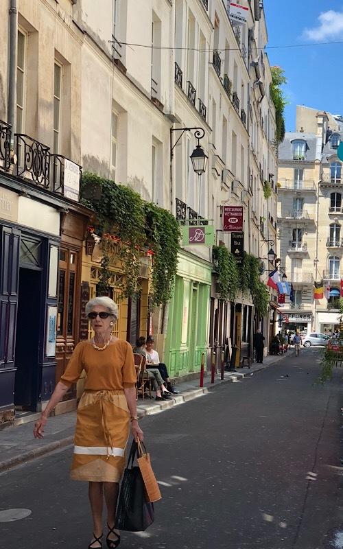 パリ買い付けと街歩き*⃝̣◌︎⑅⃝︎◍︎♡︎◌︎*⃝̥◍︎♡︎_a0213806_22073547.jpeg
