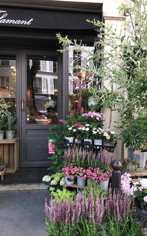 パリ買い付けと街歩き*⃝̣◌︎⑅⃝︎◍︎♡︎◌︎*⃝̥◍︎♡︎_a0213806_22395171.jpeg