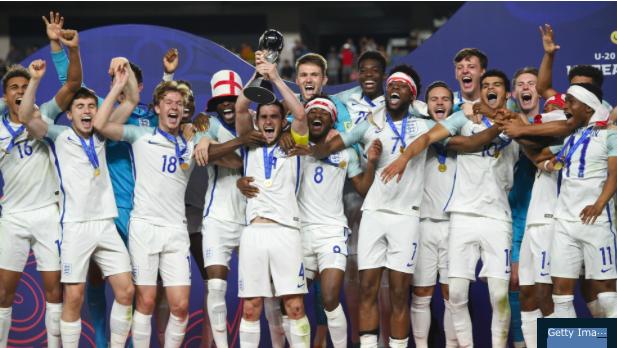 ロシアW杯:決勝Tスウェーデン1−0スイス、英1−1PK4-3コロンビア→ついに母国が黄金に輝く!?_a0348309_15492527.png