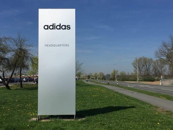 2018ヨーロッパ買い付け後記37 adidas本社見学! 入荷レディースボトムス MM6 APC ANN DEMEULEMEESTER_f0180307_19072444.jpg
