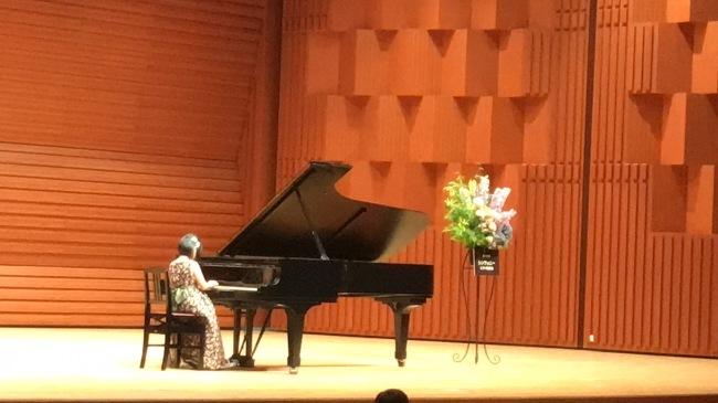 次女のピアノ「チューリップのラインダンス」_f0040817_17160135.jpg