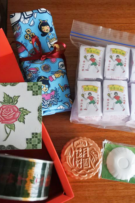 シンガポール土産、プラナカン関連やお菓子など_f0167281_13561970.jpg