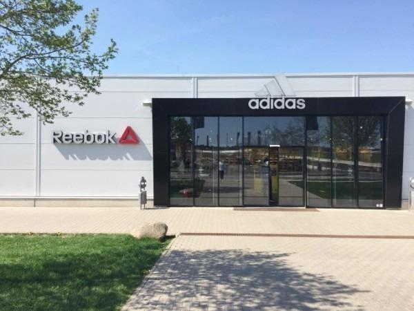 2018ヨーロッパ買い付け後記38 アディダス篇 サッカーはじまるんでかんたんに 入荷 SUPREME Tシャツ_f0180307_17333343.jpg