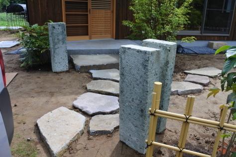 重い木 重い石 そしてドイツ予報_a0157159_18502741.jpg