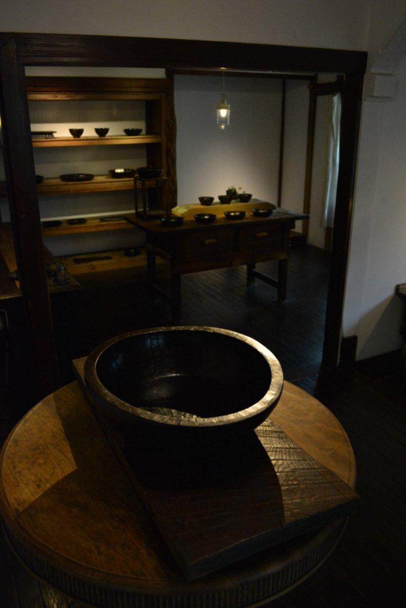 「太田修嗣 展  漆器の木霊」 始まりました_d0087761_1844628.jpg