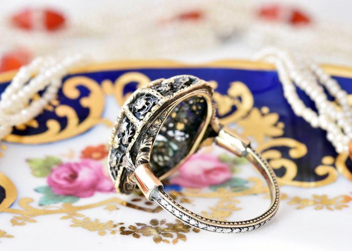 ロマンティックなサファイア&ダイヤモンドリング_a0264182_11471049.jpg