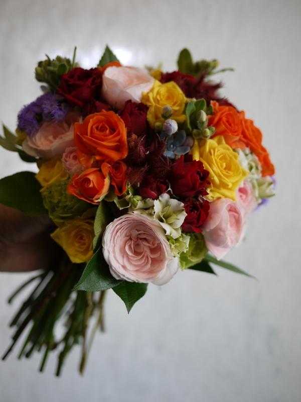 ご結婚披露宴でのブーケ、ブートニア、ケーキナイフ装花。ジャスマックプラザにお届け。2018/07/07。_b0171193_17214151.jpg