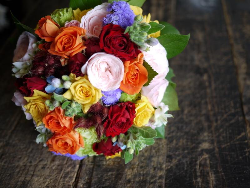 ご結婚披露宴でのブーケ、ブートニア、ケーキナイフ装花。ジャスマックプラザにお届け。2018/07/07。_b0171193_17215627.jpg