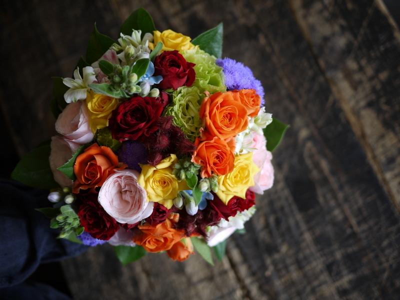 ご結婚披露宴でのブーケ、ブートニア、ケーキナイフ装花。ジャスマックプラザにお届け。2018/07/07。_b0171193_17220018.jpg