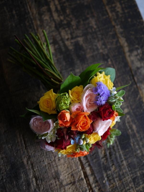 ご結婚披露宴でのブーケ、ブートニア、ケーキナイフ装花。ジャスマックプラザにお届け。2018/07/07。_b0171193_17220743.jpg