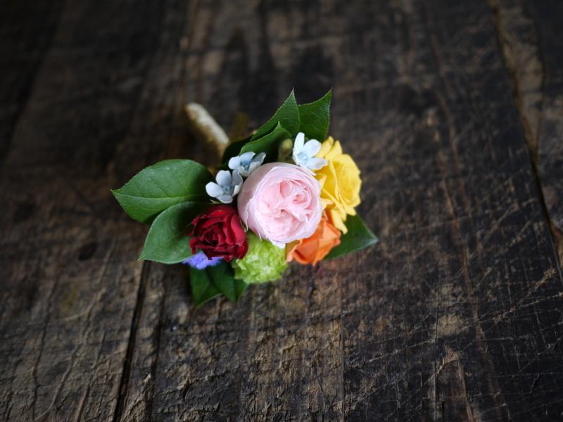 ご結婚披露宴でのブーケ、ブートニア、ケーキナイフ装花。ジャスマックプラザにお届け。2018/07/07。_b0171193_17221105.jpg
