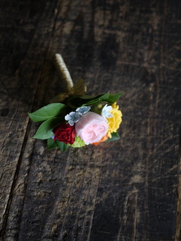 ご結婚披露宴でのブーケ、ブートニア、ケーキナイフ装花。ジャスマックプラザにお届け。2018/07/07。_b0171193_17221475.jpg