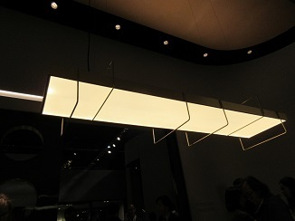 シリーズ~家具ブランドがお届けするデザイン照明!_d0091909_10343976.jpg