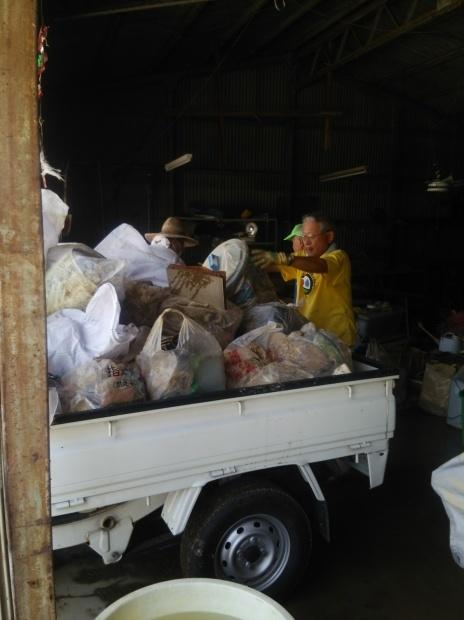 7月10日、真備町で大雨災害後の片付け支援活動をしました_d0155415_22503203.jpg