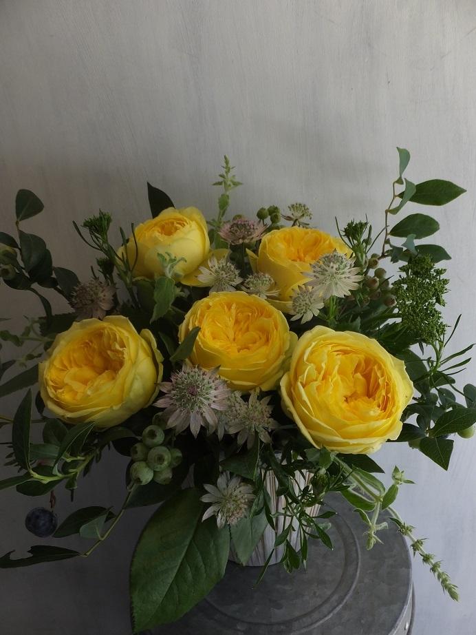 オークリーフ(薔薇を入れた夏のアレンジメント)_f0049672_17021441.jpg