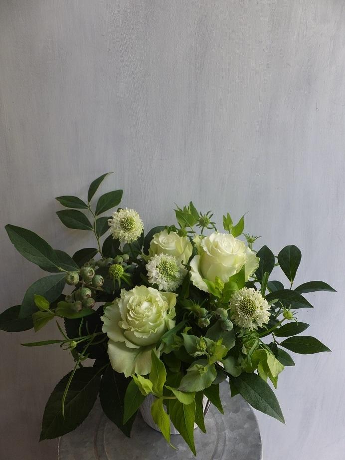 オークリーフ(薔薇を入れた夏のアレンジメント)_f0049672_17022213.jpg