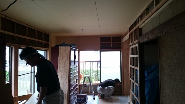 耐震補強は内部壁・天井ボード張り下地まで。。_a0214329_20462921.jpg