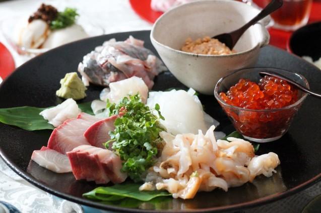 近江町市場の魚で手巻き寿司_d0377645_22410349.jpg