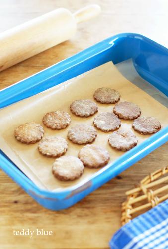 making cookies お花のかたちのクッキーづくり_e0253364_17115369.jpg