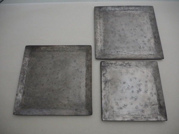 南沢奈津子さんの銅のお皿_b0132442_17253809.jpg