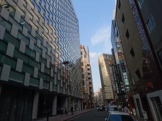 本日は日本のへそ?コチラの街からお届けです。_d0091909_18003066.jpg