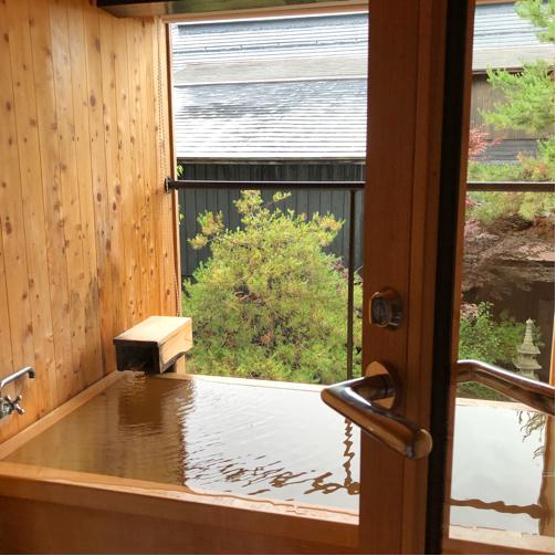 週末温泉プチ旅行☆朝、お部屋の露天風呂で赤湯の湯を楽しむ幸せ。_f0207146_20213453.jpg