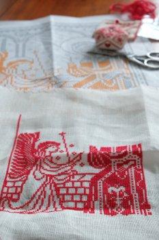 赤糸刺繍の進捗_f0204175_16493974.jpg