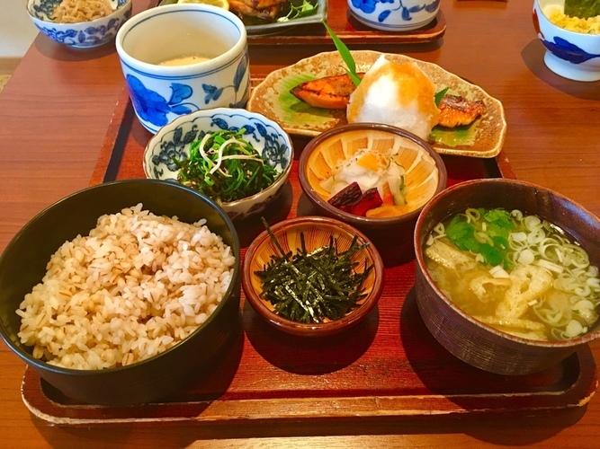 暑い日に、麦とろ定食@碑文谷_a0223786_16031527.jpg