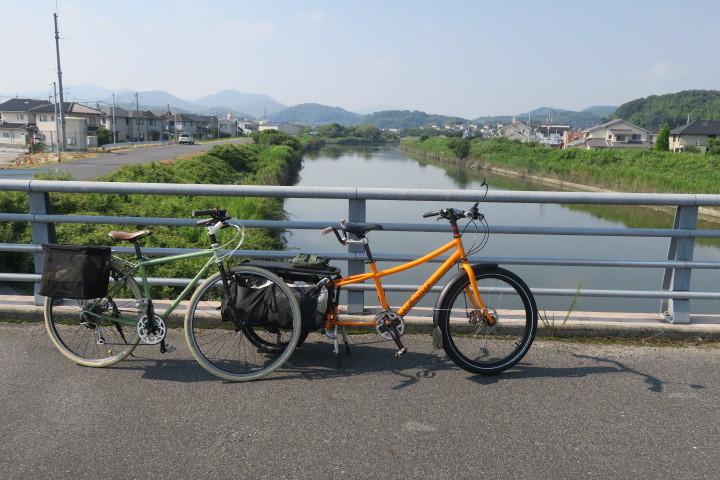 買い出しメイン(?)のサイクリング_c0132901_18073335.jpg