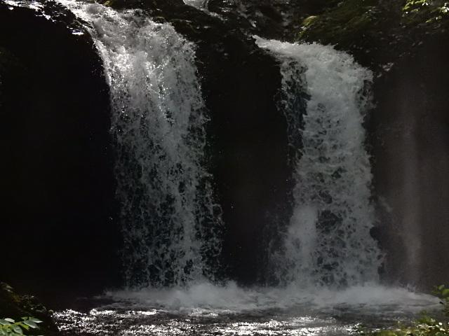中山湖・鐘山の瀧とその渓流  「凉し」写真集_b0221219_17295134.jpg