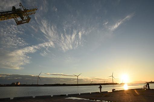 夕陽の港湾_b0259218_02490218.jpg