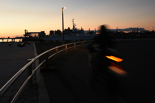 夕陽の港湾_b0259218_02514306.jpg