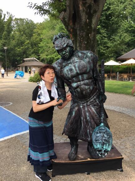 上野恩賜公園で頑張る大道芸人さん_a0163623_00221285.jpg