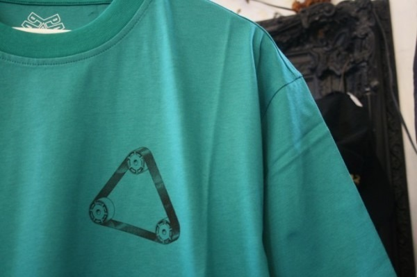 Hi-CORAZONとInizioとCITTA MATERIALとマンゴー!!入荷PALACE SKATEBOARDS Tシャツ、ショーツ、パンツ、キャップ_f0180307_23564023.jpg