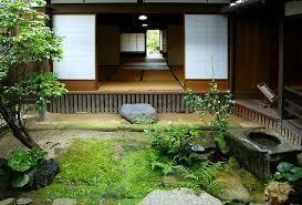 坪庭のある風景_d0335577_22342831.jpg