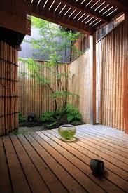 坪庭のある風景_d0335577_22375277.jpg
