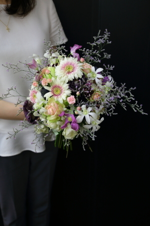 7月18日生花レッスン ウェディングアイテム、花かんむりとかリストレットとか_a0042928_15022853.jpg