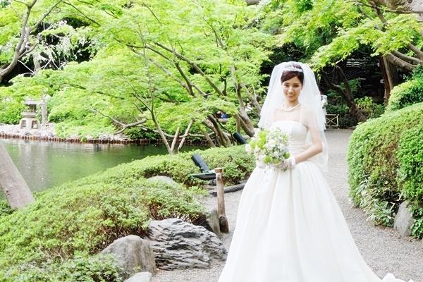 卒花嫁様 八芳園の花嫁様、4月の新緑の中に _a0042928_19593067.jpg