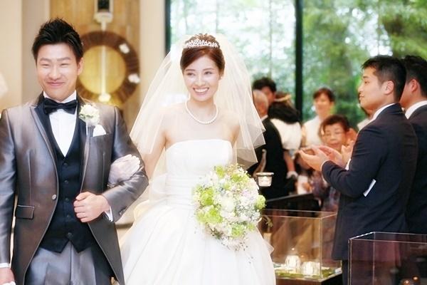 卒花嫁様 八芳園の花嫁様、4月の新緑の中に _a0042928_19593135.jpg