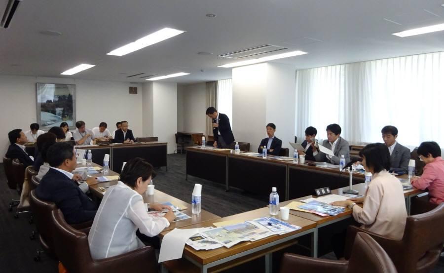 環境・建設委員会視察2日目_f0059673_09110160.jpg