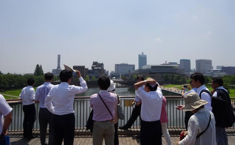 環境・建設委員会視察2日目_f0059673_09111374.jpg