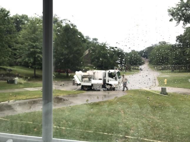 夏の雷雨とLawn Care_b0365715_04244699.jpg