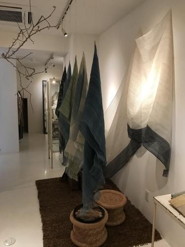 maki textile studio exhibition _e0288544_10270091.jpg