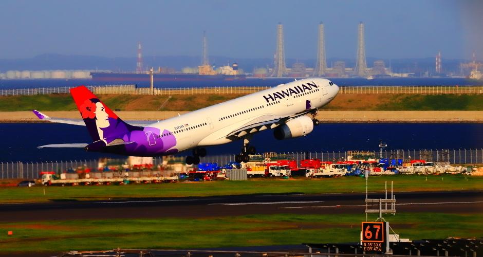 羽田沖で観たハワイアン航空機_a0150260_22022242.jpg