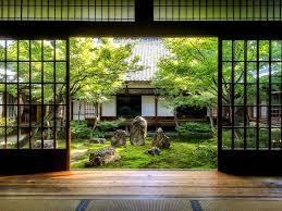 坪庭のある風景_d0335577_06135656.jpg