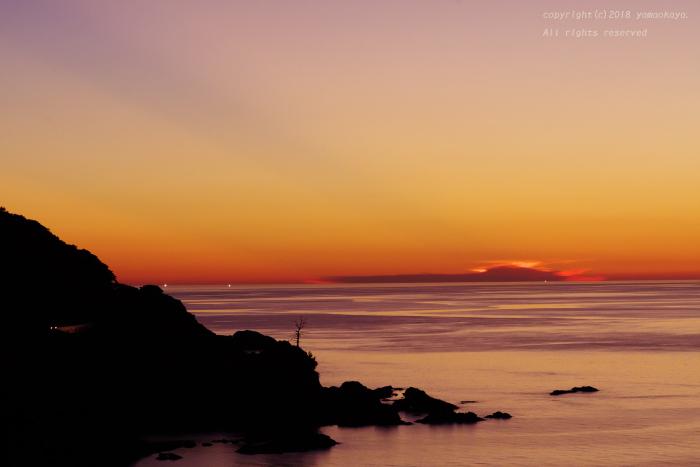 夕暮れの海辺で_d0309612_07355369.jpg