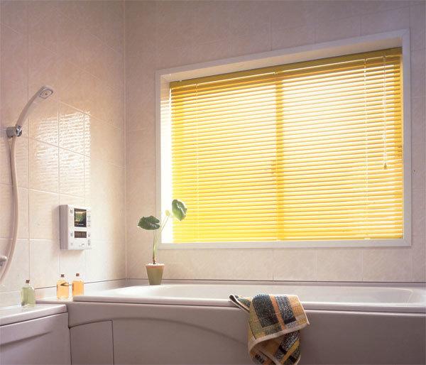 当店おすすめ!浴室にブラインドでスッキリしませんか?_e0243413_15235604.jpg