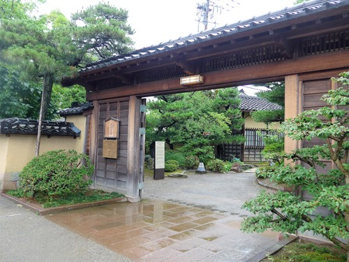 金沢「とっくりや」へ行く。_f0232060_12293346.jpg