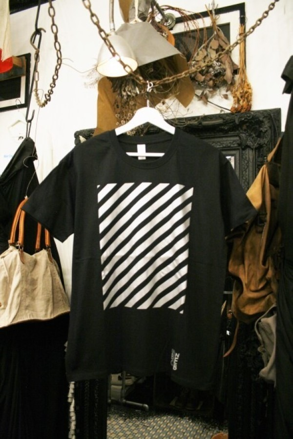 先日の休日 入荷Tシャツ、半袖シャツ_f0180307_02291410.jpg
