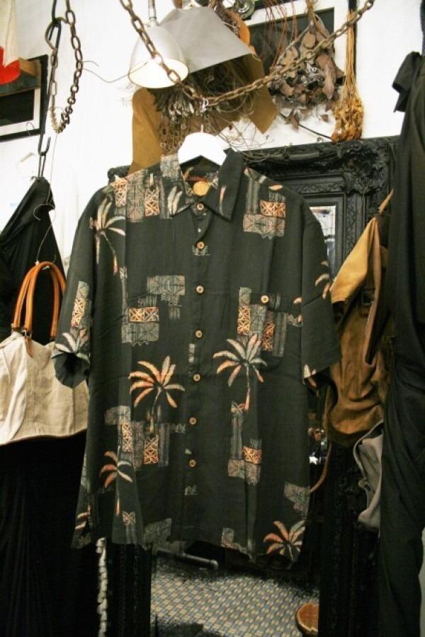 先日の休日 入荷Tシャツ、半袖シャツ_f0180307_02334057.jpg